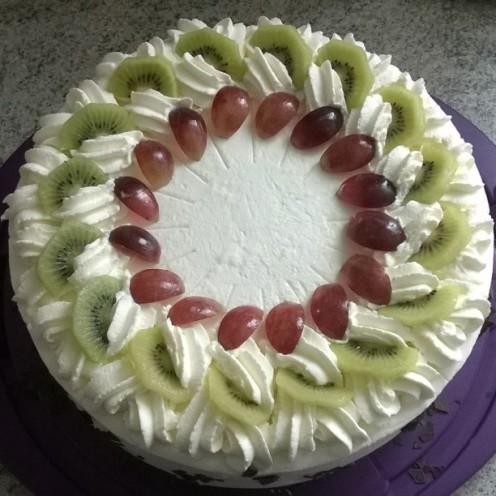 Joghurt Sahnetorte mit Früchten