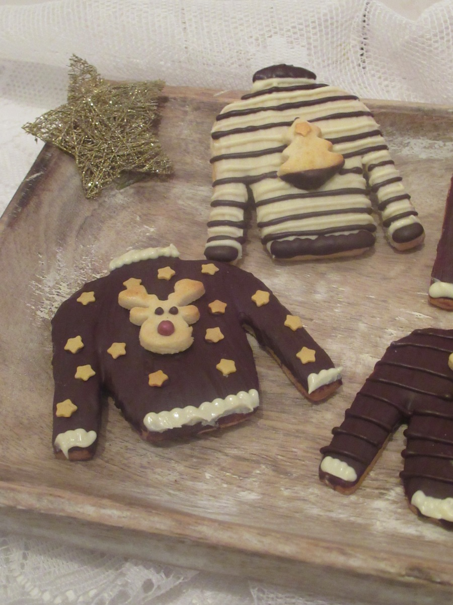 Adventskränzchen: Christmas Sweater Sahneplätzchen